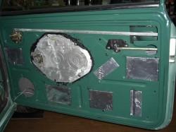 デモカーmini セイシン材により音のビビリを防止