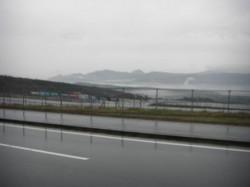 富士スピードウェイ、霧が立ち込める