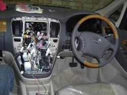 アルファード新車,ナビ取り付け、センターコンソロール部分