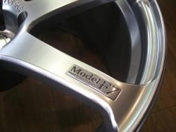 AVS Model F7 スポークにメッキプレートに刻印