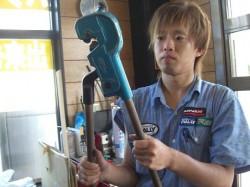 RALLY自慢のスペシャル工具、大型圧着ペンチ