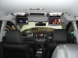 MPV 車内後方から見たALPINE フィリップダウンモニター
