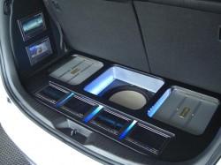 MPV メインに加工したボードとアンプ他各パーツがセットしたトランク部
