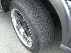 PARADA spec-X 235/55R18 フロントタイヤ