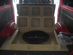 HIACE オーディオボード加工 トランク部④