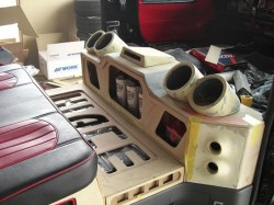 HIACE オーディオボード加工 リアシート前方④