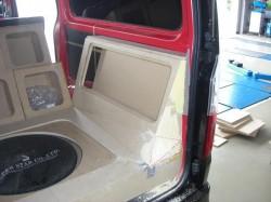 HIACE オーディオボード加工 トランク部②