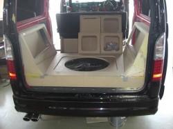 HIACE オーディオボード加工 トランク部①
