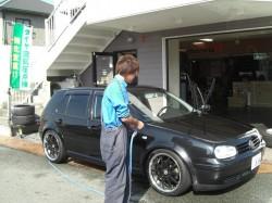 洗車中 スタッフ M