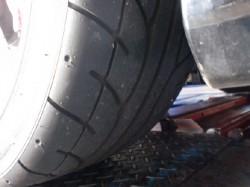 タイヤをローテーション