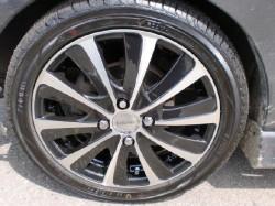 タイヤは165/50R15 ヨコハマ アース1